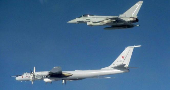 İngiliz – Rus uçakları arasında gerilim