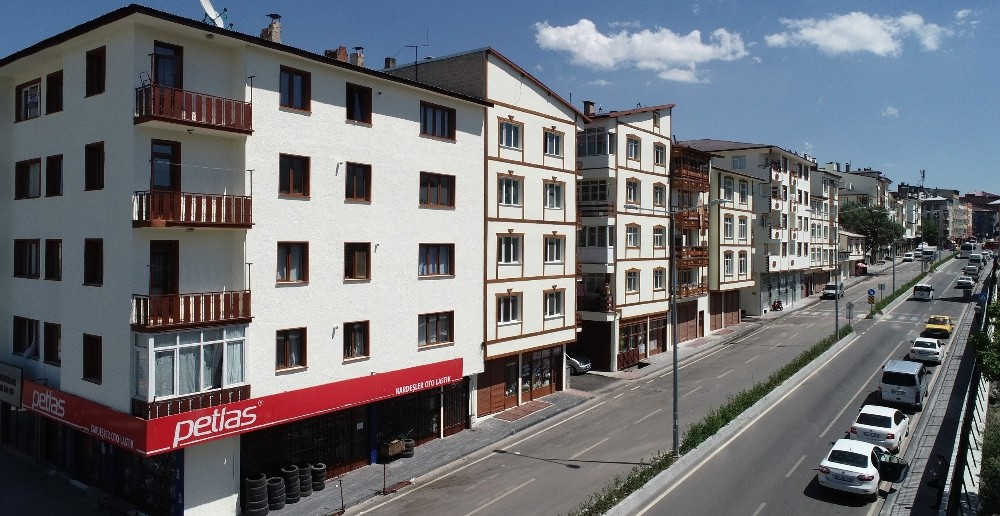 Kongre Caddesi Büyükşehir'le güzelleşti