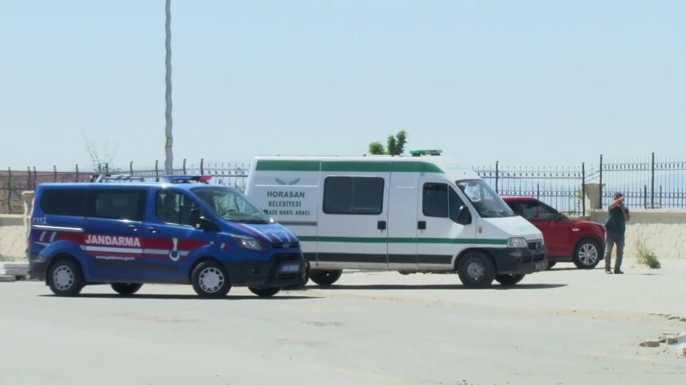 Minik Merve'nin cenazesi Erzurum adli tıp kurumuna getirildi