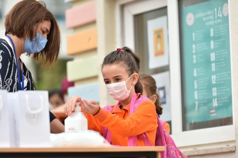 Erzurum'da öğrencilerin yüz yüze eğitimi başladı