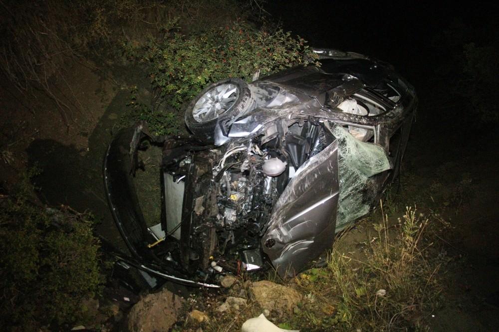 Virajı alamayan otomobil şarampole yuvarlandı: 1 ölü