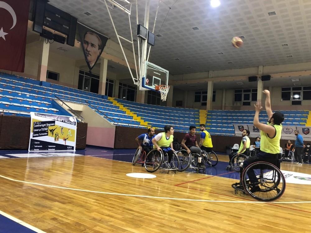 Basketler Cumhuriyet için atıldı