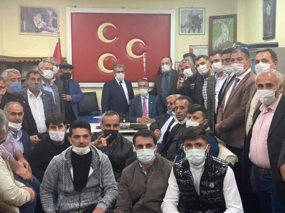 Prof. Dr. Kamil Aydın ilçe ziyaretlerinde çiftçilerle bir araya geldi