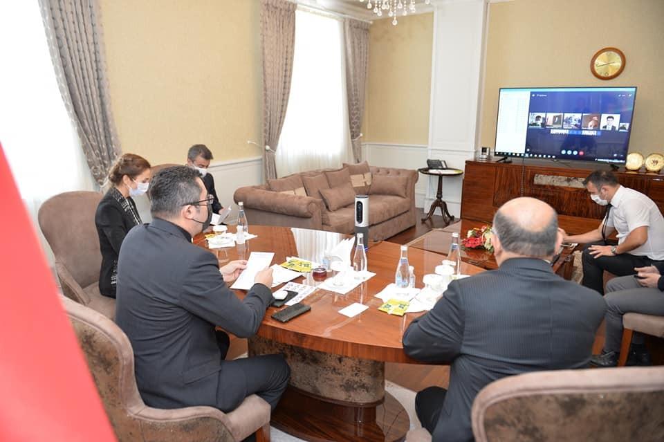 Vali Memiş Kaymakamlarla video konferans üzerinden toplantı yaptı