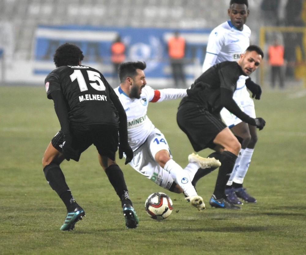 BB Erzurumspor'da Kaptan İbrahim Akdağ sakatlandı