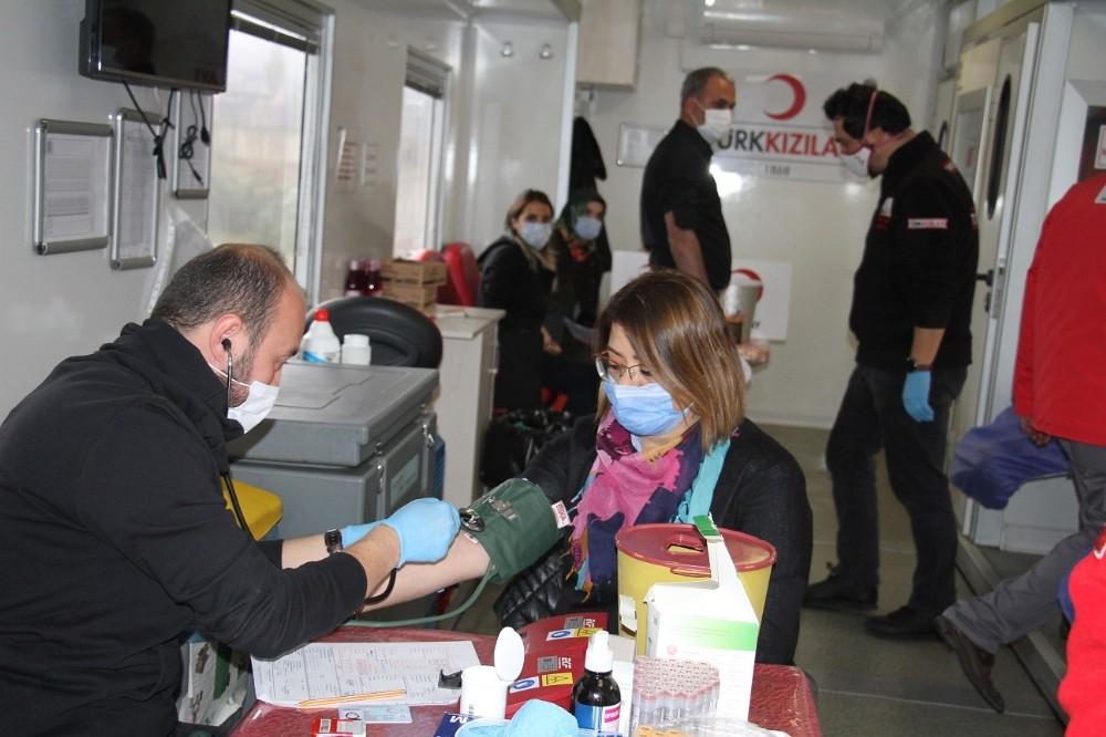 Erzurum GSİM'den Kızılay'a kan bağışı