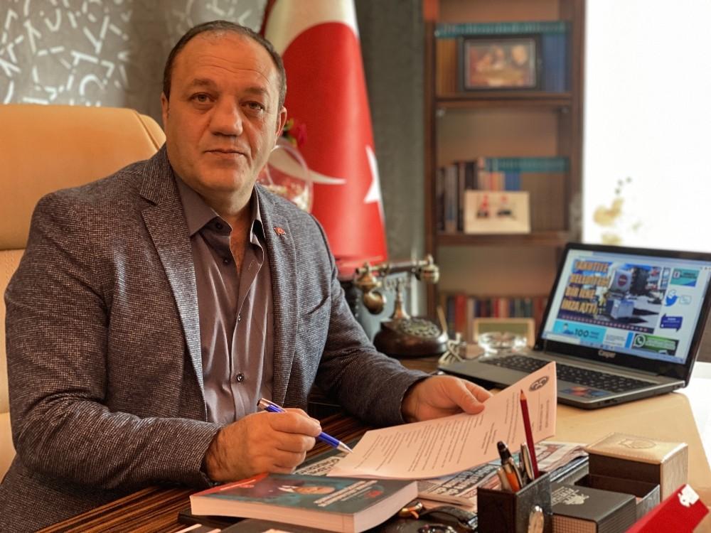 Naim Karataş'tan 24 Kasım Öğretmenler Günü mesajı