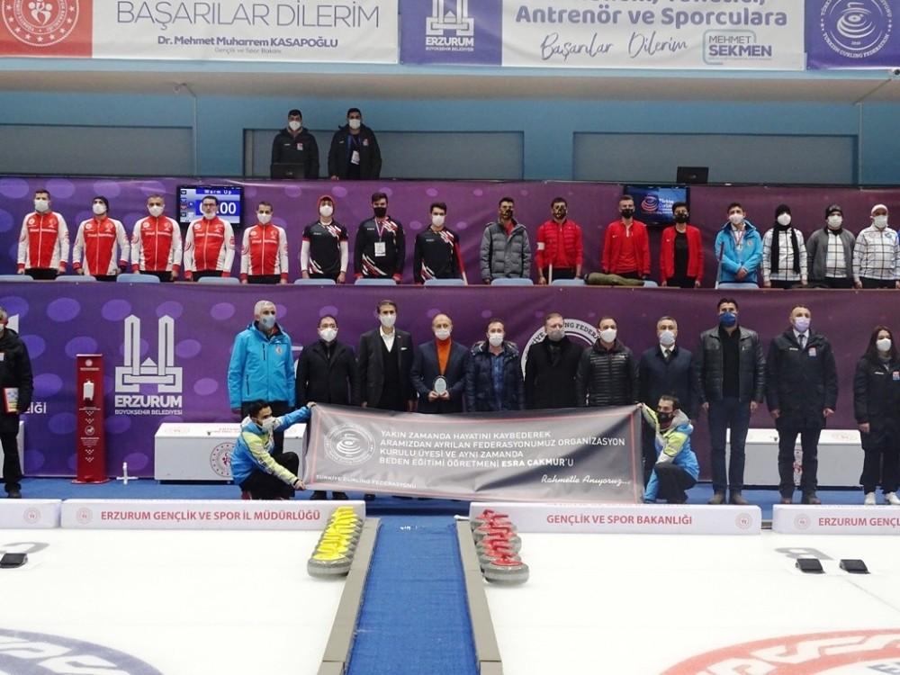 Esra Çakmur Curling Ligi başladı