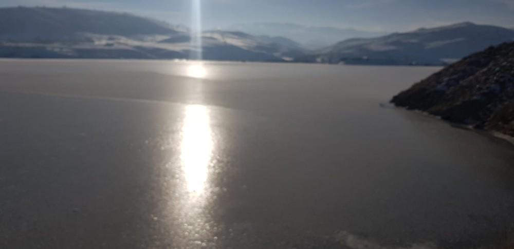 Karasu Nehri ve HES Baraj Göleti dondu