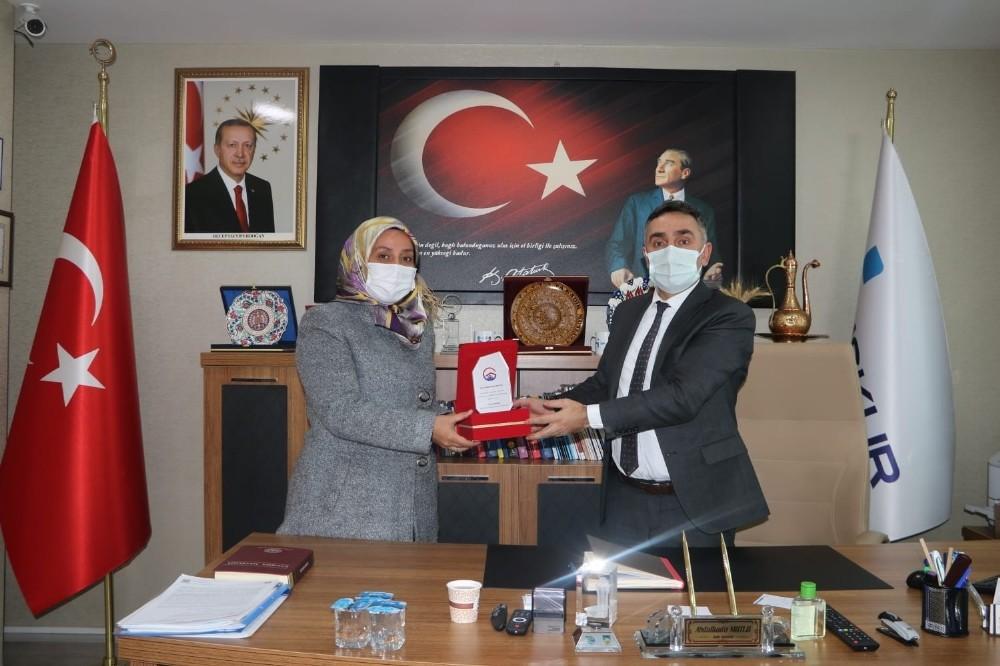 Özel Güzide Bakım Merkezinden Erzurum İŞKUR İl Müdürlüğüne teşekkür plaketi