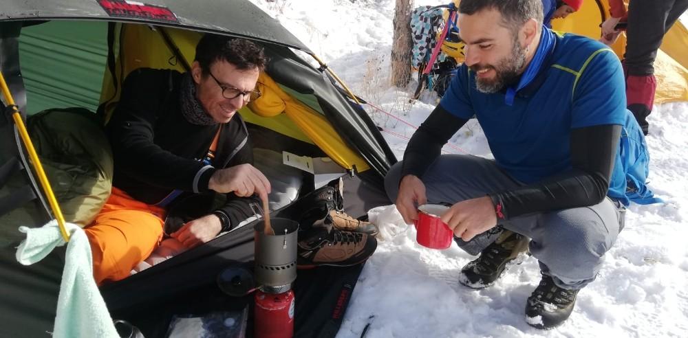 Dağcılar Palandöken'de kış kampında