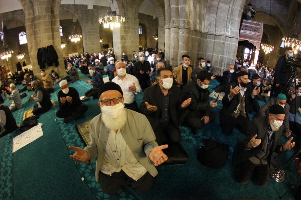 Erzurum'da binbir hatim duası heyecanı