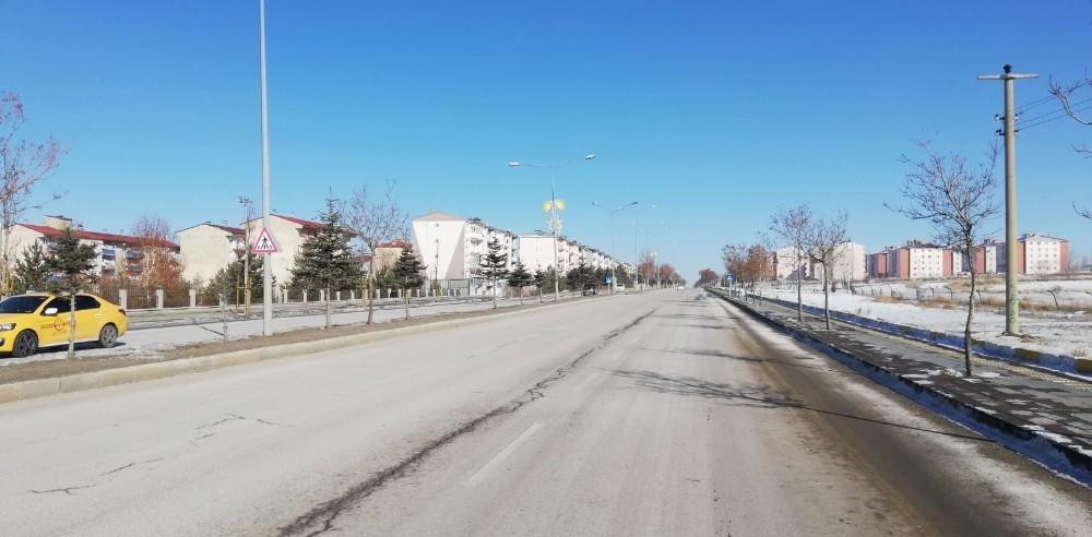 Erzurum'da yılın ilk gününde sokaklar boş kaldı
