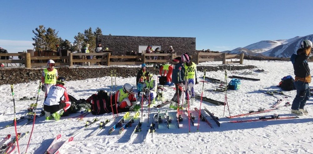 U-18 Alp Disiplini Yarışları Erzurum'da başladı