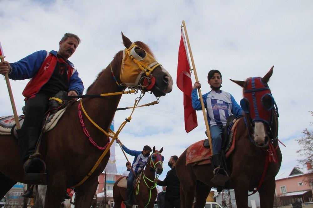 Ilıca'nın şahlanışına atlı kutlama