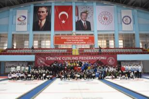 Curling Süper Lig'in şampiyonu Çelebispor ile Narmanspor oldu