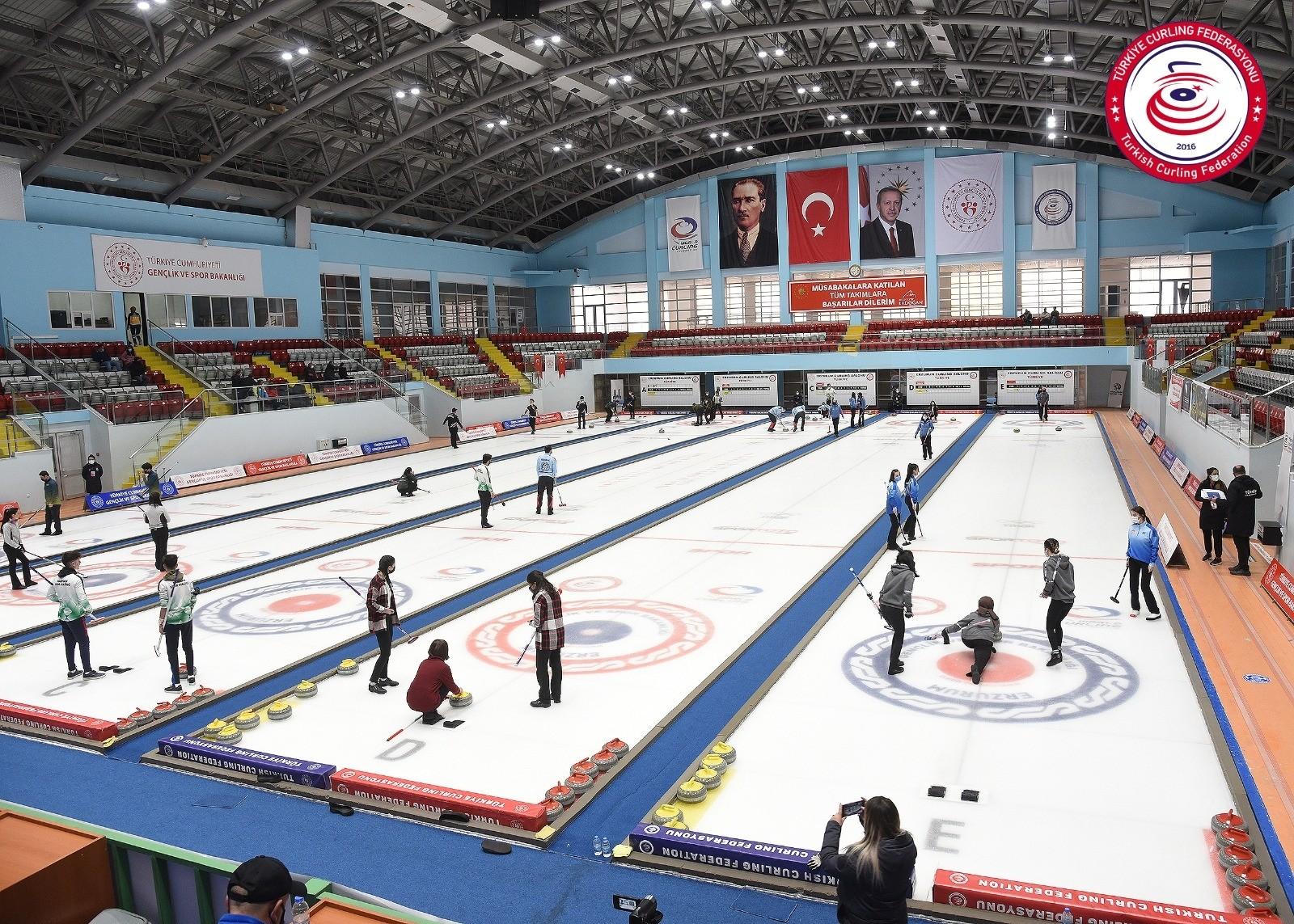 Curlingte final heyecanı