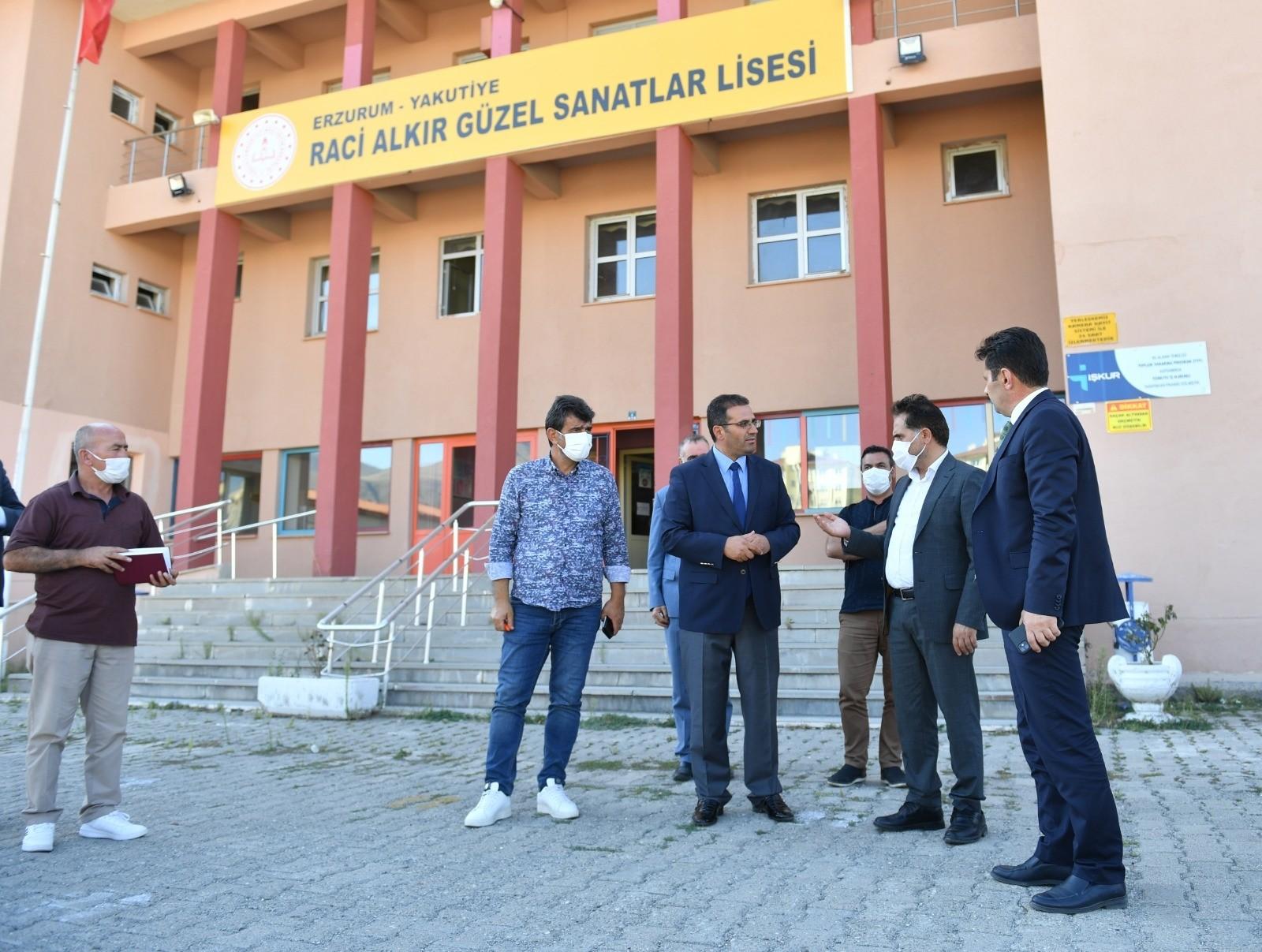 Yakutiye'nin okulları yeni eğitim ve öğretim yılına hazırlanıyor