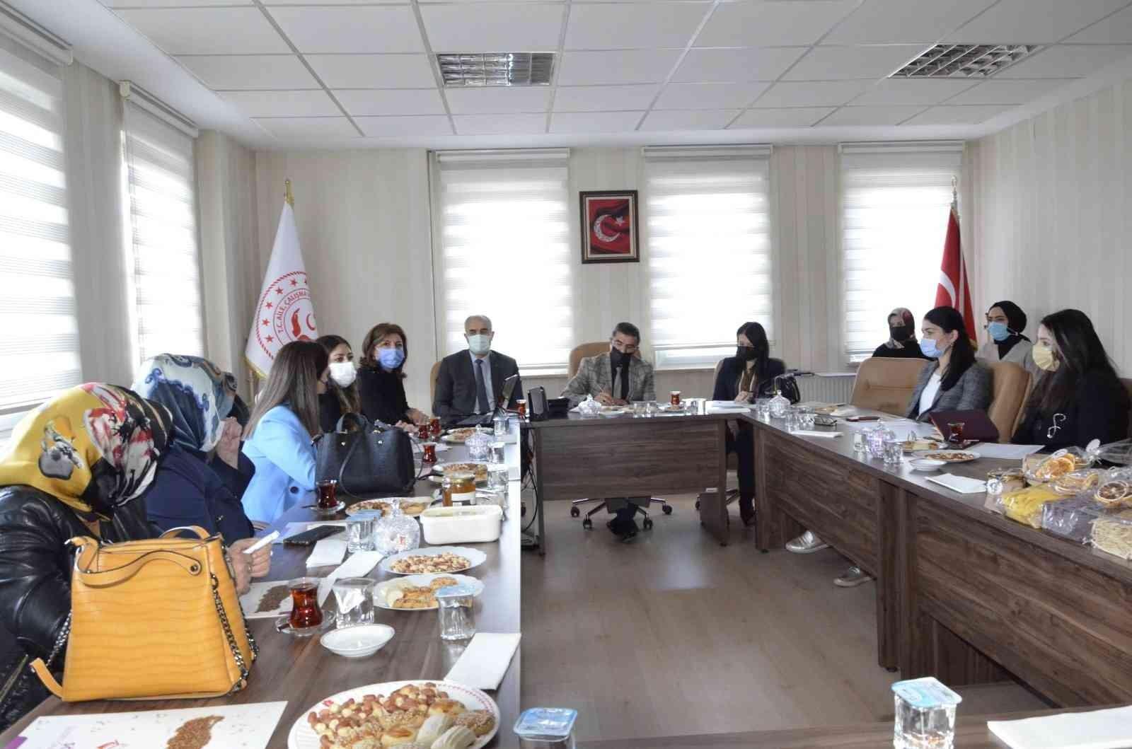Erzurum'da kadın kooperatiflerinin güçlendirilmesi toplantısı düzenlendi
