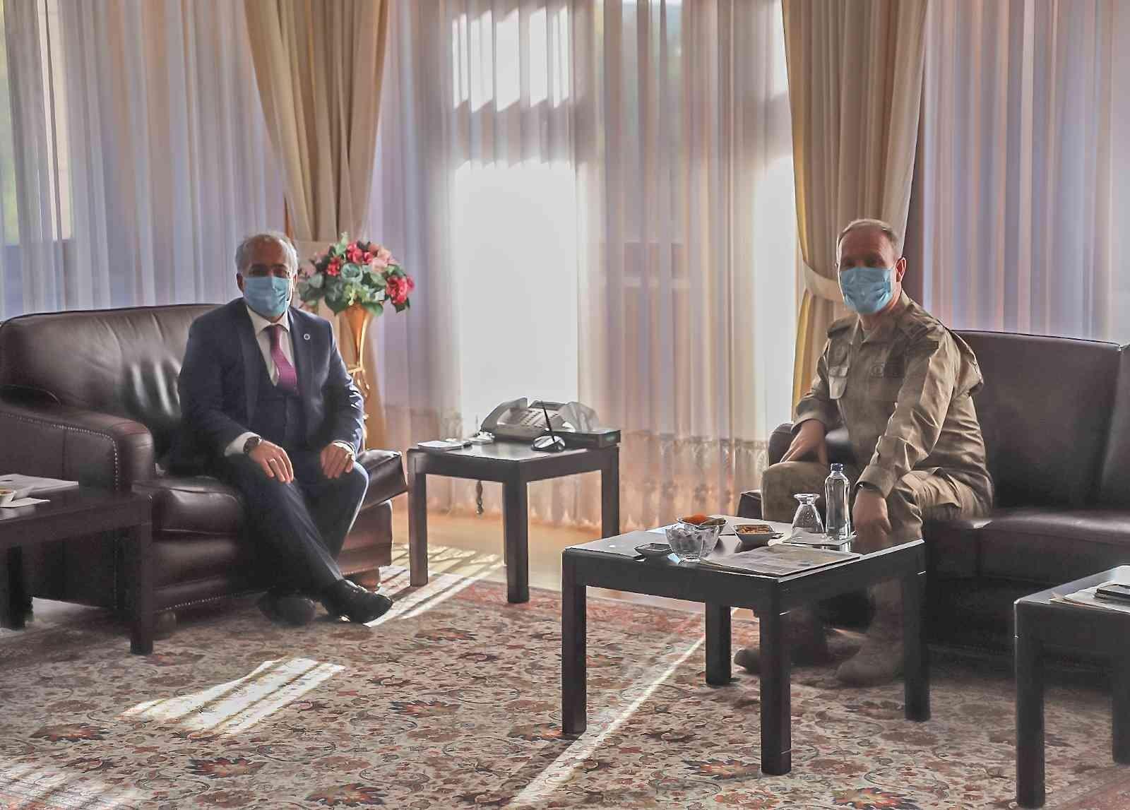 Tuğgeneral Çimen'den Rektör Çomaklı'ya iade-i ziyaret